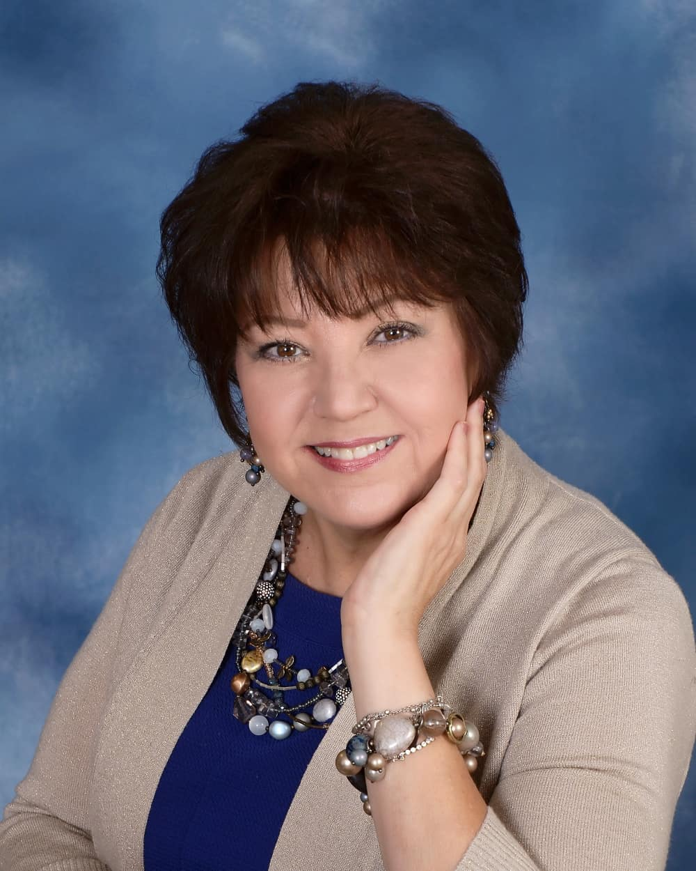 Dolores Mark : Music Ministry Director